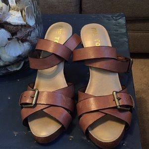 Leather sandals 9